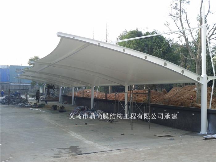 款式:拉杆式膜结构车棚